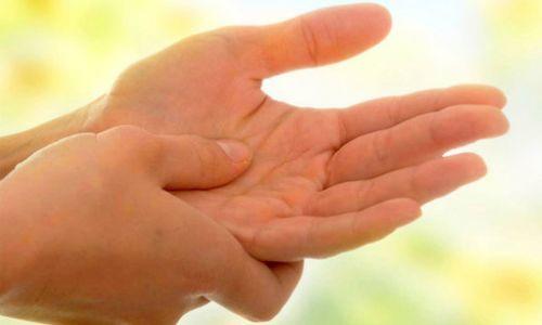 Установить диагноз по пальцам рук