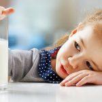 Можно ли давать детям молоко