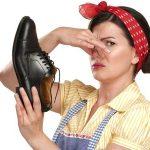 Избавиться от запаха обуви